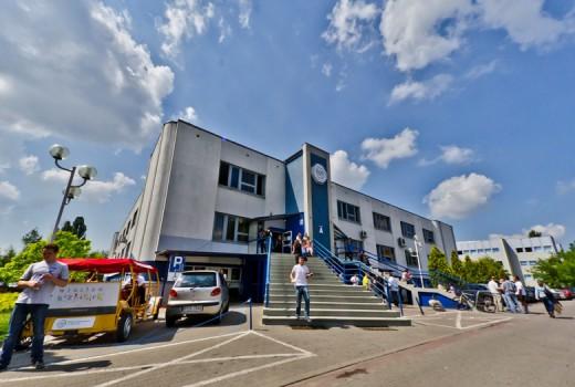 Budynek-A-WSB-we-WrocИawiu